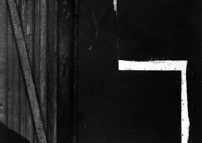 Aaron Siskind, Chicago 10, 1959, Gelatin silver print, 12 1/2 x 10 inches